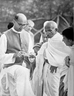 Mahadev_Desai_and_Gandhi_1939