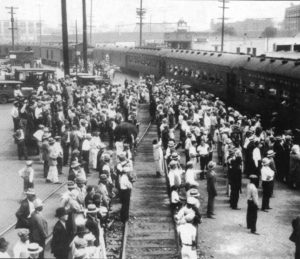 Mexicans-being-deported-from-Los-Angeles-1931