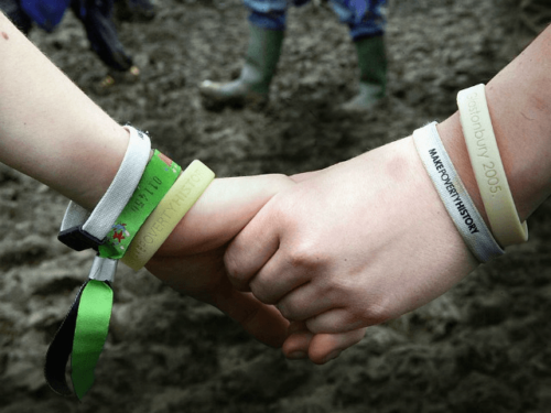 dont-touch-me-wristbands-sweden