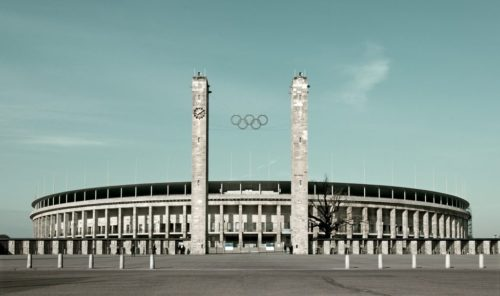 leslie-hossack_east-gate-1936-berlin-olympic-stadium-e1470059422160