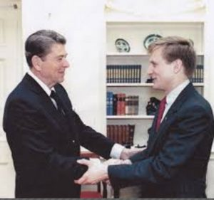 Todd Blodgett (right) with Ronald Reagan in the Oval Office, 1988.