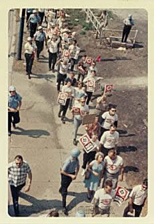 Rare color snapshot of the White People's March, taken from a highway overpass.